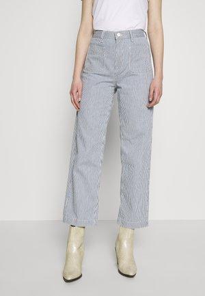 WIDE LEG - Pantaloni - hickory stripe