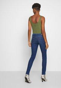 Lee - SCARLETT BUTTONS - Jeansy Skinny Fit - dark blue denim - 2