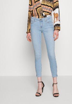 SCARLETT CROPPED - Jeans Skinny Fit - light coroval