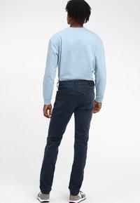 Lee - RIDER - Jeansy Slim Fit - light blue - 2