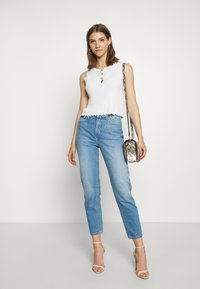 Lee - CAROL - Jeans a sigaretta - worn callie - 1