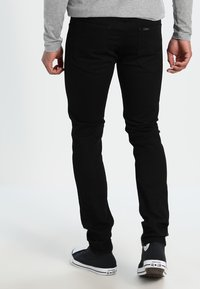 Lee - LUKE - Vaqueros slim fit - clean black - 2
