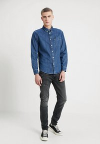 Lee - BUTTON DOWN REGULAR FIT - Camicia - dipped blue - 1