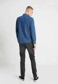 Lee - BUTTON DOWN REGULAR FIT - Camicia - dipped blue - 2