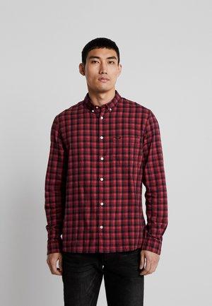 SLIM FIT - Skjorta - warp red