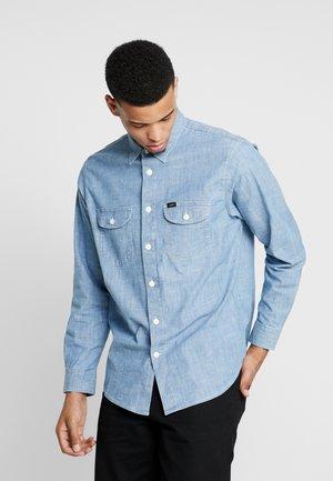 SEASONAL WORKER - Skjorter - frost blue