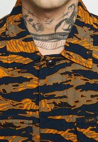 Lee - SEASONAL OVERSHIRT - Overhemd - washed blue - 6