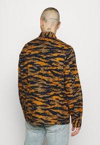Lee - SEASONAL OVERSHIRT - Overhemd - washed blue - 2