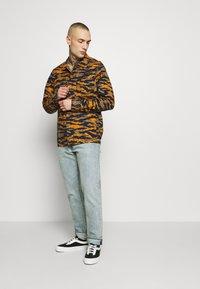 Lee - SEASONAL OVERSHIRT - Overhemd - washed blue - 1