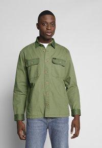 Lee - OVERSHIRT - Shirt - utility green - 0