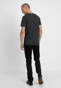 Lee - DAREN ZIP FLY - Pantalon classique - black - 2
