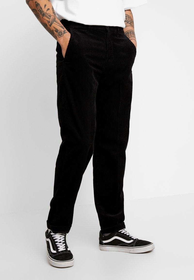 Lee - RELAXED CHINO - Spodnie materiałowe - black
