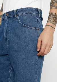 Lee - PIPES - Jeansshort - tic - 3