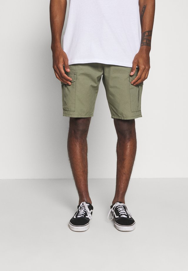 FATIQUE  - Shorts - lichen green