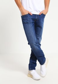 Lee - DAREN ZIP - Jean droit - true blue - 0