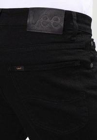 Lee - BROOKLYN STRAIGHT - Jeans a sigaretta - clean black - 4