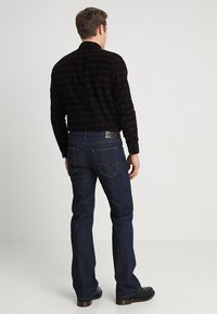 Lee - TRENTON - Jeans Bootcut - rinse - 2