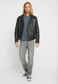 Lee - DAREN ZIP FLY - Jeans straight leg - grey denim - 1