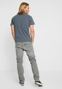 Lee - DAREN ZIP FLY - Jeans straight leg - grey denim - 2