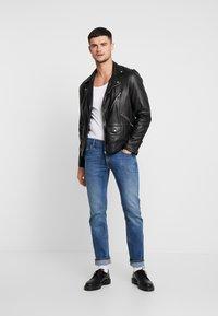 Lee - DAREN ZIP FLY - Straight leg jeans - blue used - 1