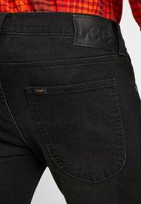 Lee - LUKE - Jeans slim fit - moto black - 5