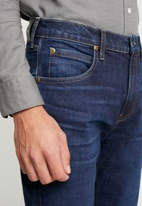 Lee - AUSTIN - Straight leg jeans - worn foam - 3