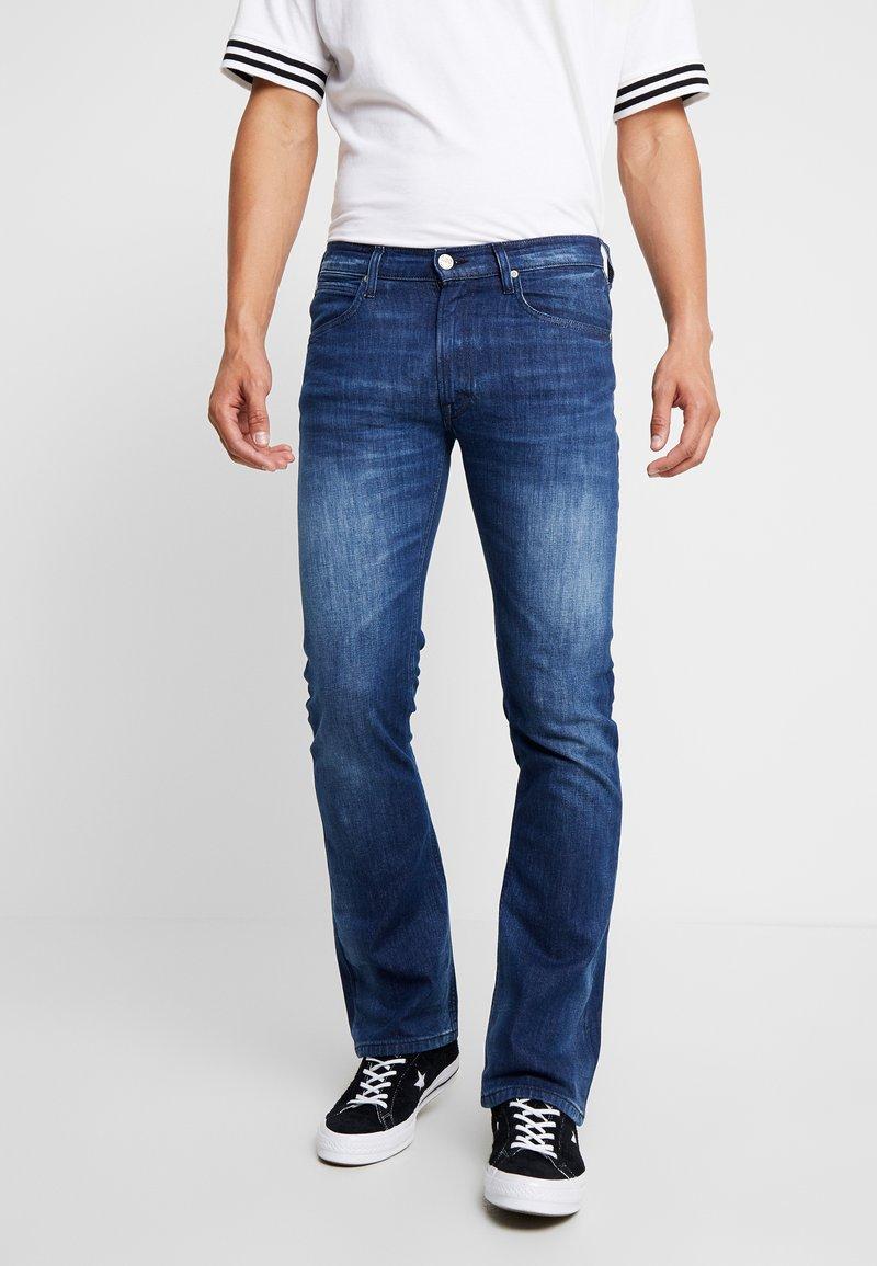 Lee - TRENTON - Jeans Bootcut - dark-blue denim