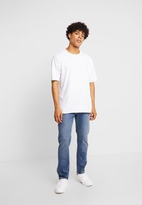 Lee - DAREN - Jeans straight leg - mid tinted - 1