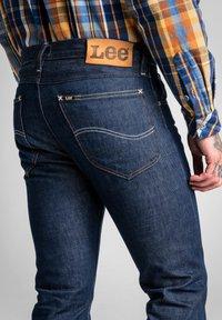 Lee - TIMBER JEAN - Slim fit jeans - clean grey - 3