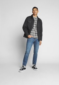 Lee - DAREN BUTTON FLY - Jeans a sigaretta - mid city tint - 1