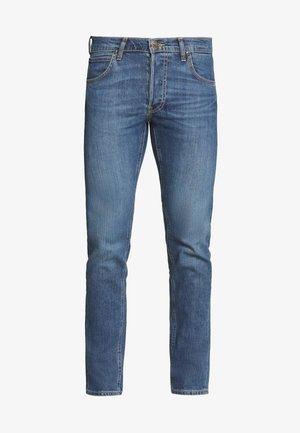 DAREN BUTTON FLY - Straight leg jeans - mid city tint