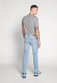 Lee - DAREN BUTTON FLY - Jeans a sigaretta - mid city worn - 2