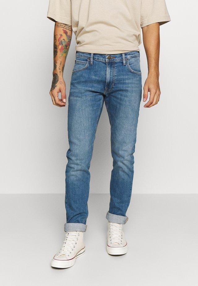 LUKE - Jeans Slim Fit - mid sedona