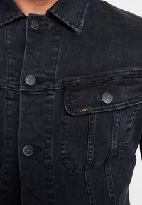 Lee - SLIM RIDER - Kurtka jeansowa - dark raven - 4