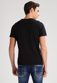 Lee - 2 PACK - T-shirt - bas - black/white - 3