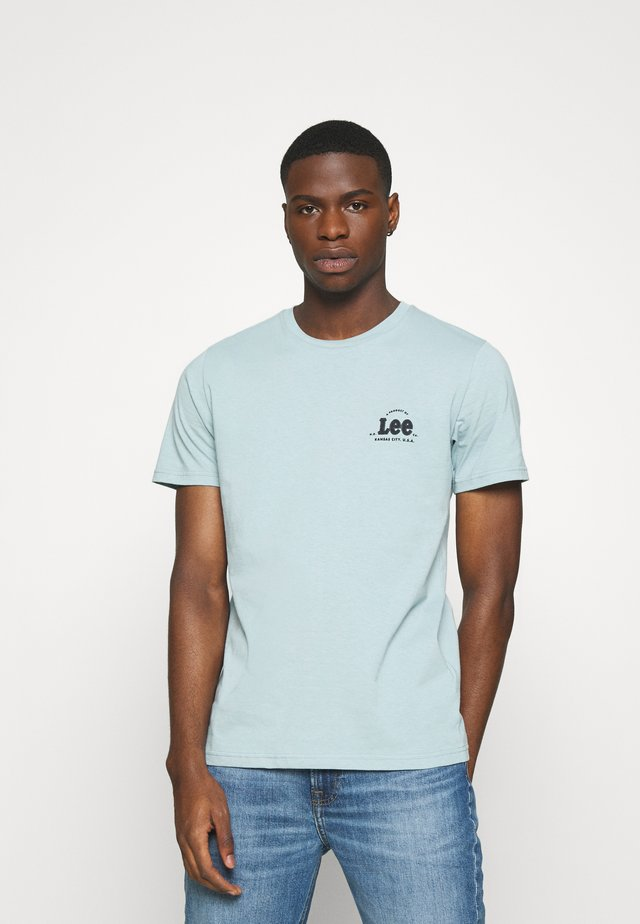 TONAL FLOCK LOGO TEE - Basic T-shirt - faded blue