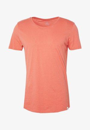 SHAPED TEE - Basic T-shirt - red