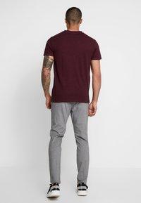 Lee - ULTIMATE - T-shirt basic - burgundy - 2