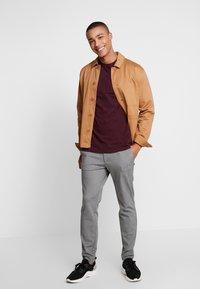 Lee - ULTIMATE - T-shirt basic - burgundy - 1