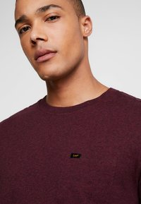 Lee - ULTIMATE - T-shirt basic - burgundy - 3