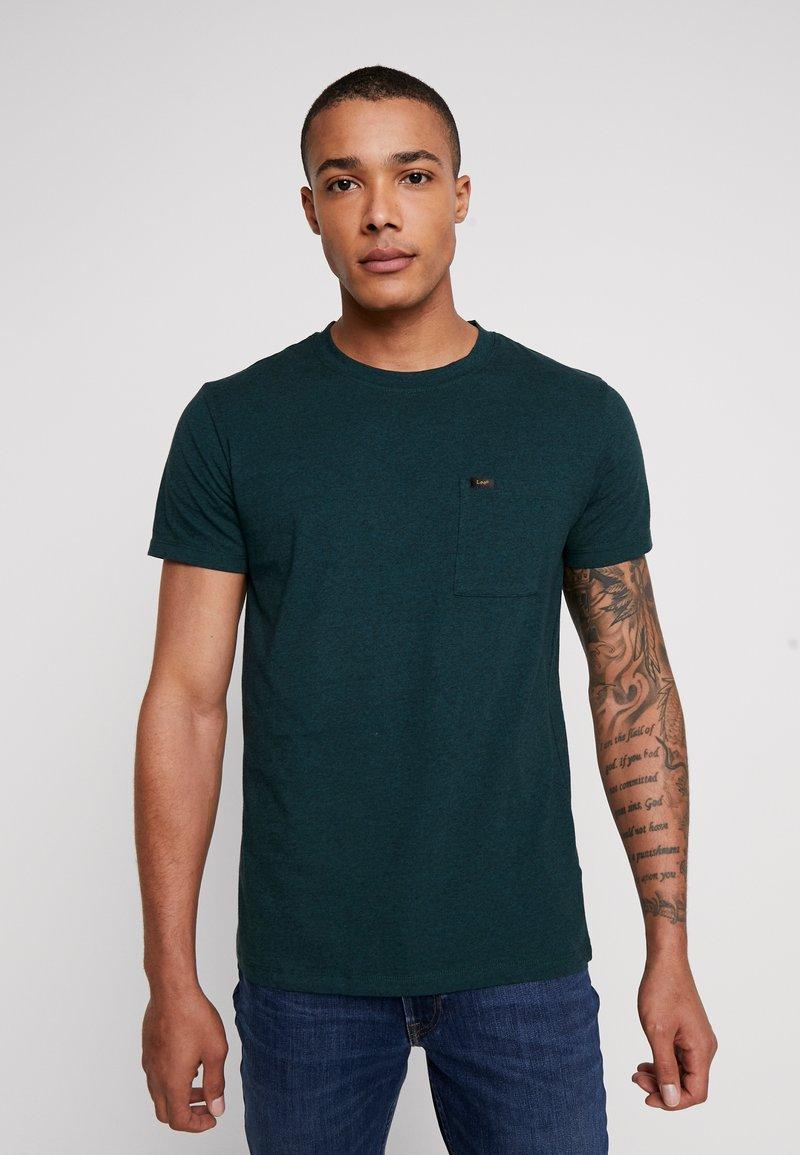 Lee - ULTIMATE POCKET - T-Shirt basic - bottle green