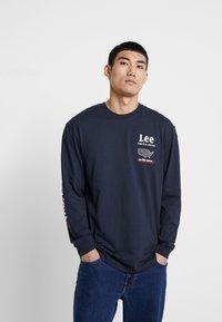 Lee - ROAD TEE  - Maglietta a manica lunga - midnight navy - 0