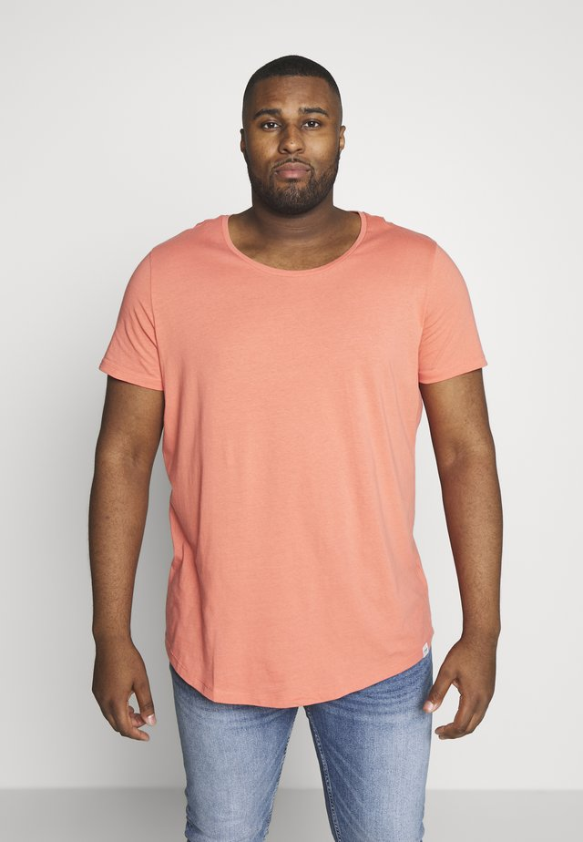 SHAPED TEE - Jednoduché triko - red