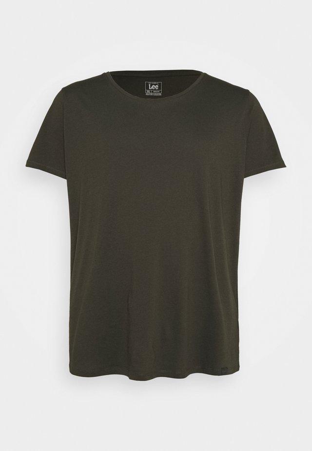 SHAPED TEE - T-shirt basic - serpico green