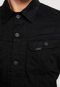 Lee - SLIM RIDER - Džínová bunda - black rinse - 5