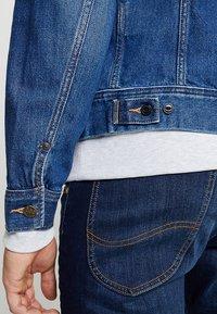 Lee - SLIM RIDER - Giacca di jeans - flick dark - 4