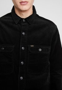 Lee - JUMBO OVERSHIRT - Tunn jacka - black - 4