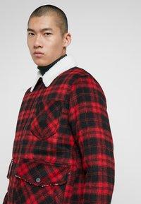 Lee - LOCO SHERPA - Light jacket - warp red - 3