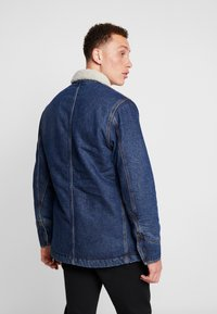 Lee - LONG LOCO SHERPA - Kurtka jeansowa - dark worn - 2