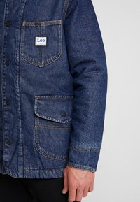 Lee - LONG LOCO SHERPA - Kurtka jeansowa - dark worn - 5